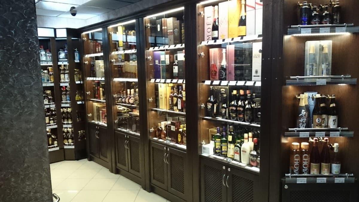 Шкаф для элитного алкоголя со стеклянными дверцами LD 001-CT